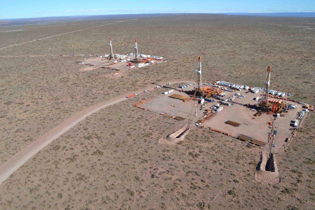 YPF y Shell anunciaron inversiones en Vaca Muerta, que podrían reactivar el empleo en el sector