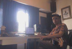 Lean Isaguirre en su home-studio.